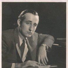 Fotografía antigua: OPERA - PIANISTA Y COMPOSITOR AUSTRIACO FRIEDRICH GULDA - FOTO 18X11CM CON AUTÓGRAFO ORIGINAL 1950'. Lote 195023908