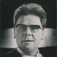 Fotografía antigua: OPERA - BAJO BARITONO AUSTRIACO WALTER BERRY - FOTO 15X10CM CON AUTÓGRAFO ORIGINAL 1969. Lote 195029235