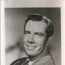 Fotografía antigua: OPERA - BAJO AMERICANO JEROME HINES - FOTO 14X9CM CON AUTÓGRAFO ORIGINAL 1950'. Lote 195029385