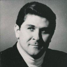 Fotografía antigua: OPERA - BARITONO AMERICANO SHERRILL MILNES - FOTO 14X10CM CON AUTÓGRAFO ORIGINAL 1960'. Lote 195040990