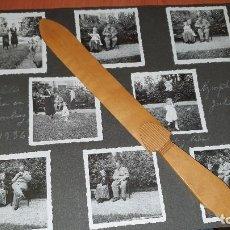Fotografía antigua: LA INFANTA MARIA PAZ Y EL PRINCIPE LUIS FERNANDO DE BAVIERA EN EL PALACIO DE NYMPHENBURG, EN 1936. Lote 195043420