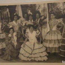 Fotografía antigua: ANTIGUA FOTOGRAFIA.GRUPO DE CHICAS.TRAJE FLAMENCO.FERIA.1960. Lote 195096586