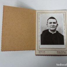 Fotografía antigua: ANTIGUA FOTOGRAFÍA CURA - FOTÓGRAFO LUX, GERONA. Lote 195119696