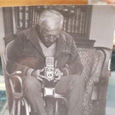 Fotografía antigua: ANTIGUA FOTOGRAFIA FOTOGRAFO CAMARA DE FOTOS. Lote 195178891