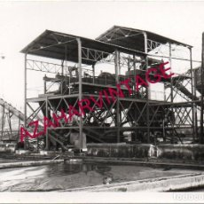 Fotografía antigua: ANTIGUA FOTOGRAFIA, INSTALACIONES MINA EN LA PROVINCIA DE HUELVA, 105X75MM. Lote 195183551