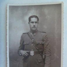 Fotografía antigua: GUARDIA CIVIL : PRECIOSA FOTO DE ESTUDIO DE AGENTE DE LA BENEMERITA, AÑOS 40. Lote 195227415