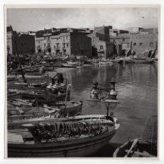 Fotografía antigua: L´ESCALA.- PUERTO PESQUERO COSTA BRAVA. 18X18. MARQUÉS DE SANTA MARIA DEL VILLAR. Lote 195740202