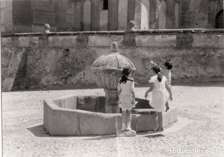 Fotografía antigua: ARÉVALO.(ÁVILA).- LOTE DE 16 FOTOGRAFIAS AÑOS 60.- 9X12,5. - Foto 5 - 195756475