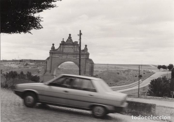 Fotografía antigua: ARÉVALO.(ÁVILA).- LOTE DE 16 FOTOGRAFIAS AÑOS 60.- 9X12,5. - Foto 13 - 195756475