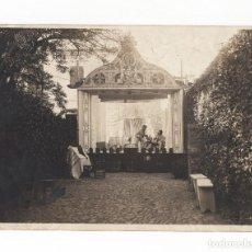 Fotografía antigua: MEJORADA DEL CAMPO.(MADRID).- TEATRO, ESCENA DE LOS ASISTENTES. 1905. 18X13.. Lote 196916140