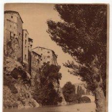 Fotografía antigua: CUENCA.- CASAS EN EL JUCAR, LAVANDERA. FOT. WUNDERLICH. 17,5X23.. Lote 196919321