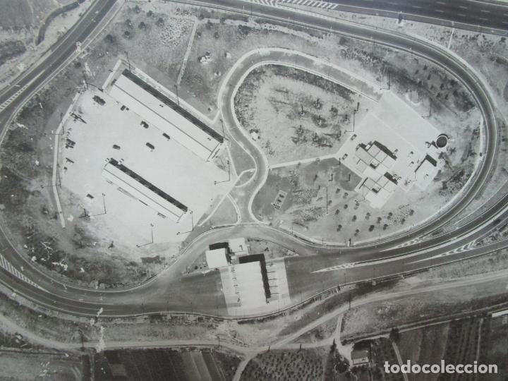 Fotografía antigua: Gran Fotografía Aérea - Cartografía - Peaje Montgat - Primera Autopista de Peaje de España -Año 1969 - Foto 3 - 197501882