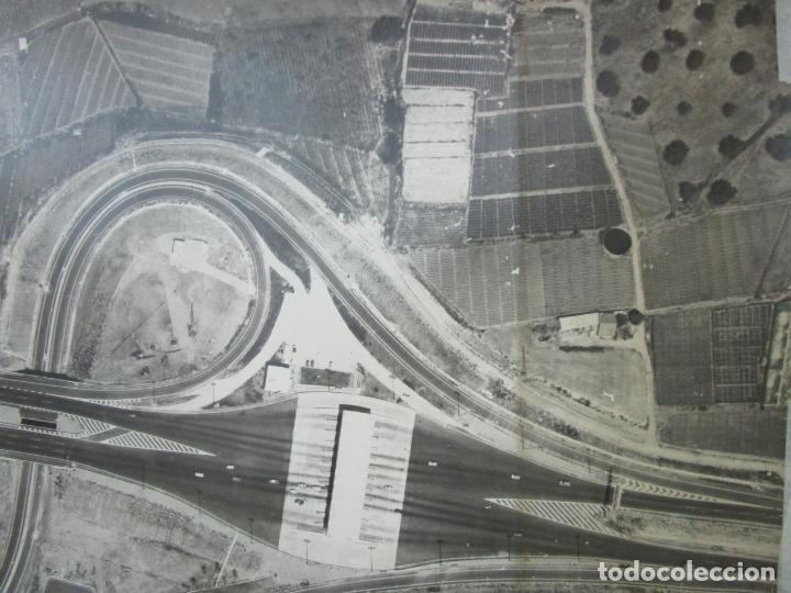 Fotografía antigua: Gran Fotografía Aérea - Cartografía - Peaje Montgat - Primera Autopista de Peaje de España -Año 1969 - Foto 5 - 197501882