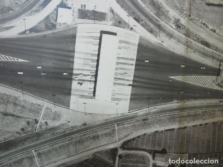Fotografía antigua: Gran Fotografía Aérea - Cartografía - Peaje Montgat - Primera Autopista de Peaje de España -Año 1969 - Foto 6 - 197501882