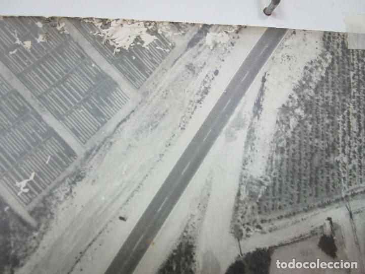 Fotografía antigua: Gran Fotografía Aérea - Cartografía - Peaje Montgat - Primera Autopista de Peaje de España -Año 1969 - Foto 9 - 197501882
