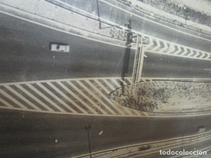 Fotografía antigua: Gran Fotografía Aérea - Cartografía - Peaje Montgat - Primera Autopista de Peaje de España -Año 1969 - Foto 11 - 197501882