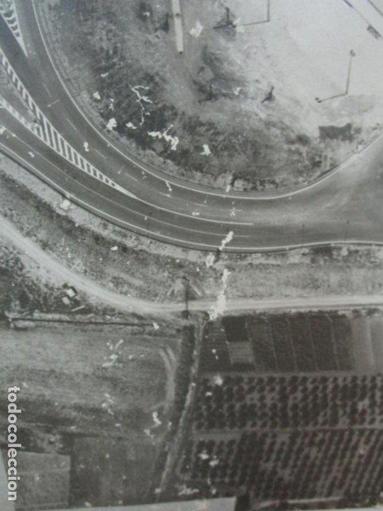 Fotografía antigua: Gran Fotografía Aérea - Cartografía - Peaje Montgat - Primera Autopista de Peaje de España -Año 1969 - Foto 13 - 197501882