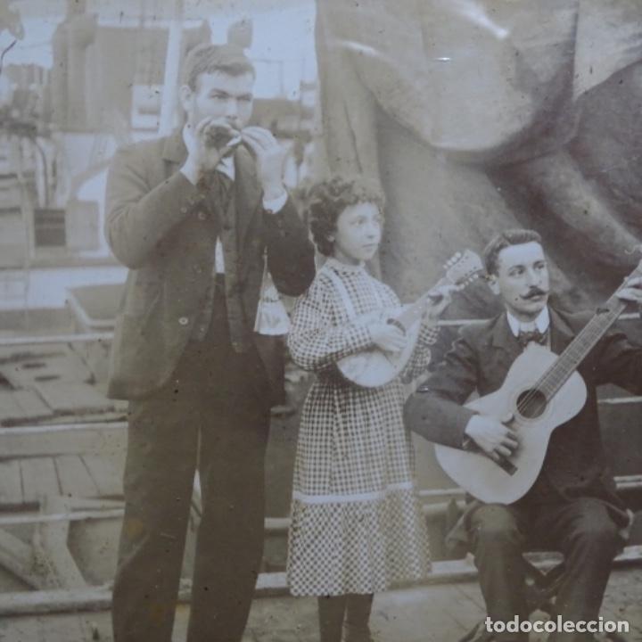 Fotografía antigua: Preciosa fotografía del siglo xix de compañía de músicos. - Foto 3 - 199677497