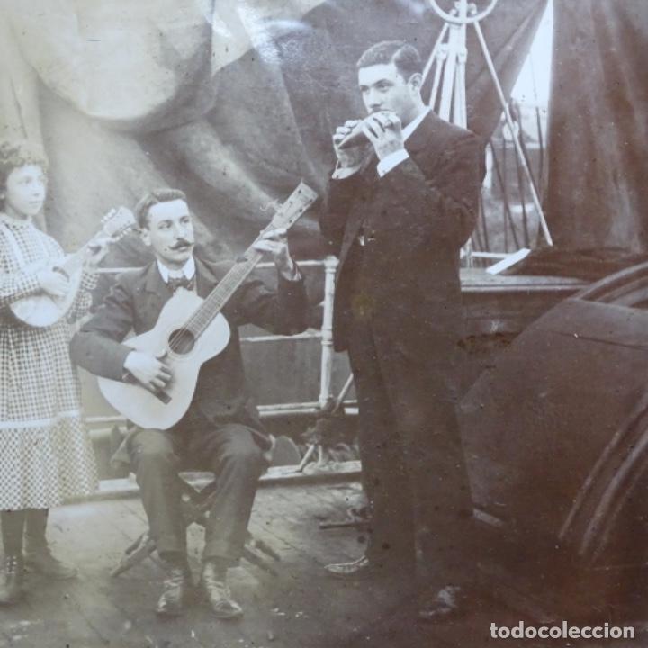 Fotografía antigua: Preciosa fotografía del siglo xix de compañía de músicos. - Foto 4 - 199677497