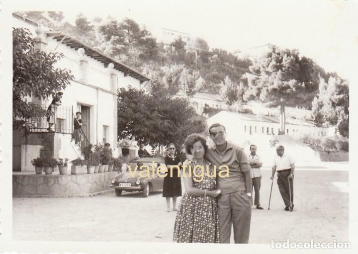 ÚNICA FOTO RARO BISCÚTER PTV 250 AUTOMÓVILES UTILITARIOS SA PANTANO GENERALÍSIMO VALENCIA 1960 SB (Fotografía Antigua - Fotomecánica)