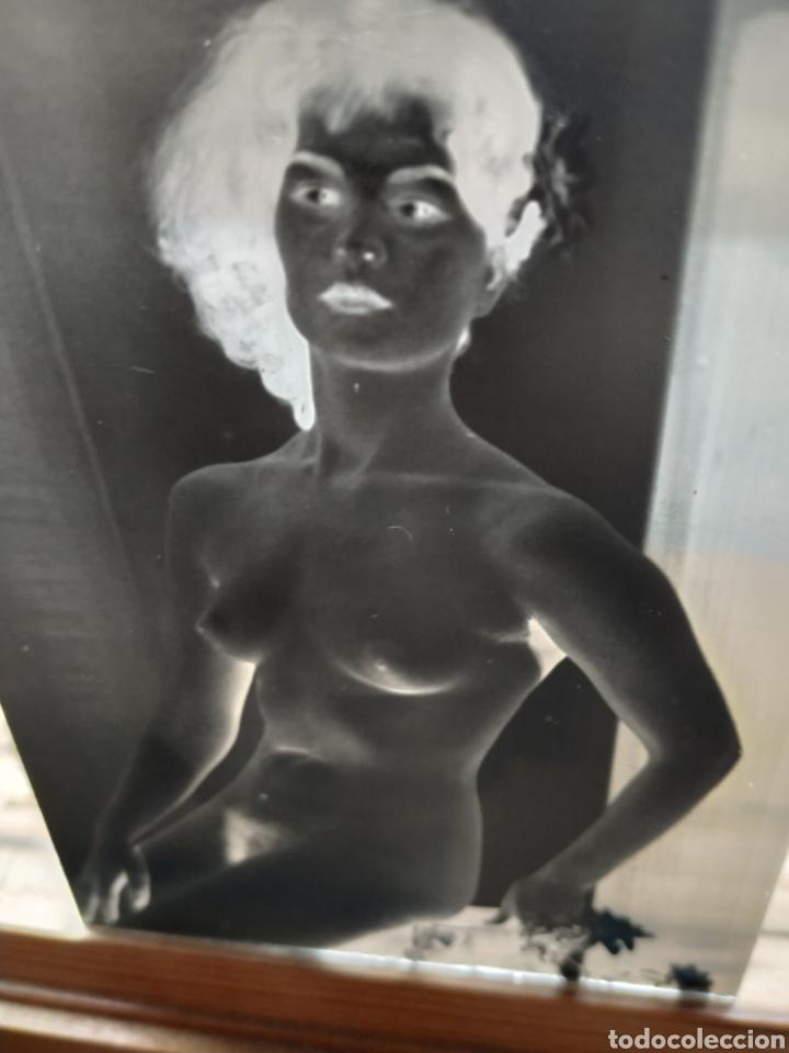 Fotografía antigua: Negativo en cristal cliché desnudo femenino - Foto 2 - 203887152