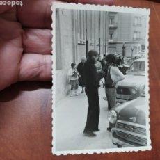 Fotografía antigua: MINI Y 4 L FOTO ANTIGUA.. Lote 206154807