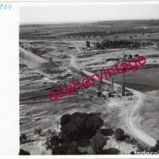 Fotografía antigua: NIEBLA,HUELVA, ANTIGUA FOTOGRAFIA,VISTA AEREA,CONSTRUCCION PUENTE, PAISAJES ESPAÑOLES,128X178MM. Lote 206313933