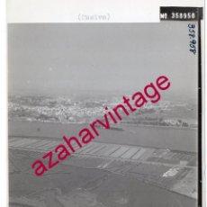 Fotografía antigua: HUELVA, ANTIGUA FOTOGRAFIA,VISTA AEREA,SALINAS PAISAJES ESPAÑOLES,128X178MM. Lote 206314802