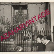 Fotografia antiga: ANTIGUA FOTOGRAFIA DE LA VIRGEN DEL ROCIO EN ALMONTE, 108X78MM. Lote 206928608