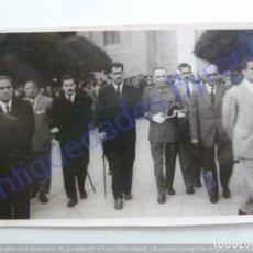 Fotografía antigua: FOTOGRAFÍA. AUTORIDADES. SEMANA SANTA DE 1952. TELDE. GRAN CANARIA. (8,5 X 5,5 CM). Lote 207066587