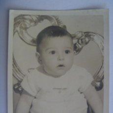 Fotografía antigua: BONITA FOTO DE ESTUDIO DE BEBE. Lote 207260308