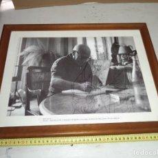 Fotografía antigua: ORIGINAL CUADRO CON FOTO DE PICASSO. Lote 207442306