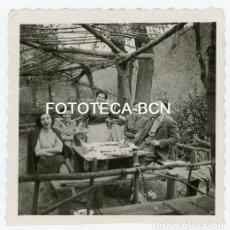 Fotografía antigua: FOTO ORIGINAL SANT CEBRIA MERENDERO DIA DE EXCURSION AÑO 1952. Lote 207947828