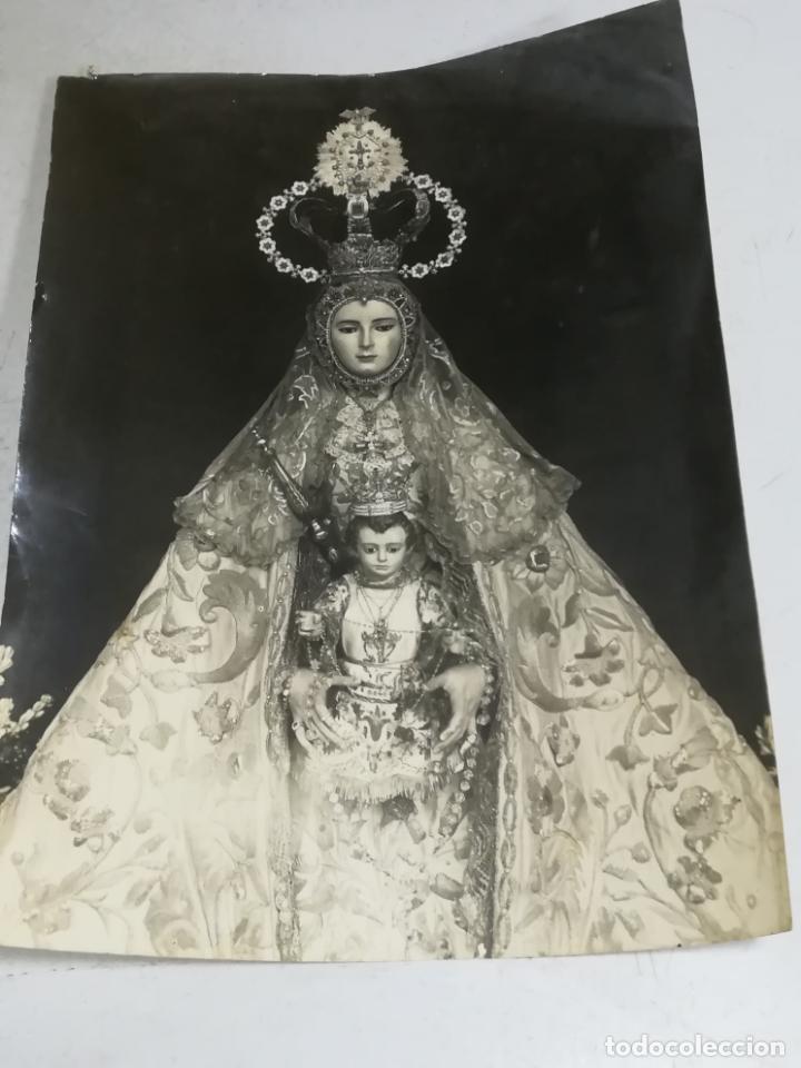 ANTIGUA FOTOGRAFIA. RELIGIOSA. VIRGEN DEL ROSARIO. PATRONA DE CADIZ. 17 X 23CM. (Fotografía Antigua - Fotomecánica)