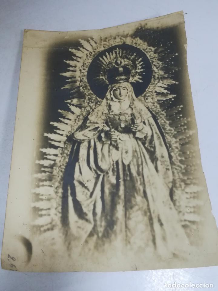 ANTIGUA FOTOGRAFIA. RELIGIOSA. SEÑORA DE LAS NIEVES. PATRONA DE ARCOS DE LA FRONTERA. 19 X 28CM. (Fotografía Antigua - Fotomecánica)