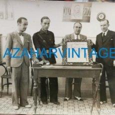 Fotografía antigua: LA LINEA DE LA CONCEPCION, GUERRA CIVIL, ACTO DE FALANGE, RARISIMA, 170X125MM. Lote 210270306