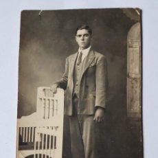 Fotografía antigua: JOVEN ELEGANTE DE TRAJE. YOUNG STYLISH COSTUME. JEUNE STYLE.. Lote 210528477