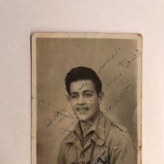 Fotografía antigua: PUERTO DE LA LUZ. FOTOGRAFÍA MILITAR RECUERDO CUARTEL. FOTO: ELISEO RUIZ (A.1940). Lote 210530465