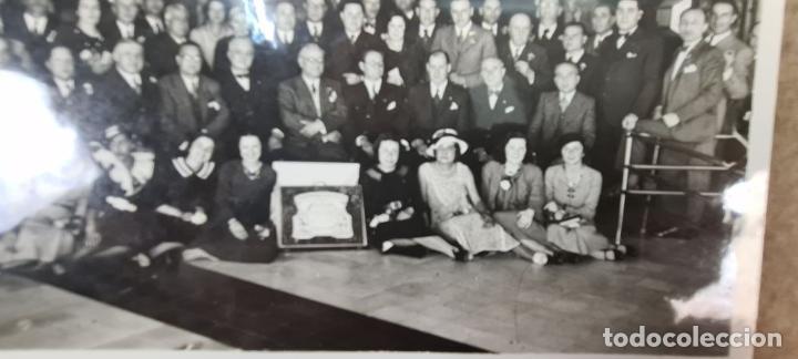 Fotografía antigua: FOTOGRAFÍA GRUPAL DE LA VACUUM OIL COMPANY. CONSEJO DE ADMINISTRACION. 1934. - Foto 3 - 210820371