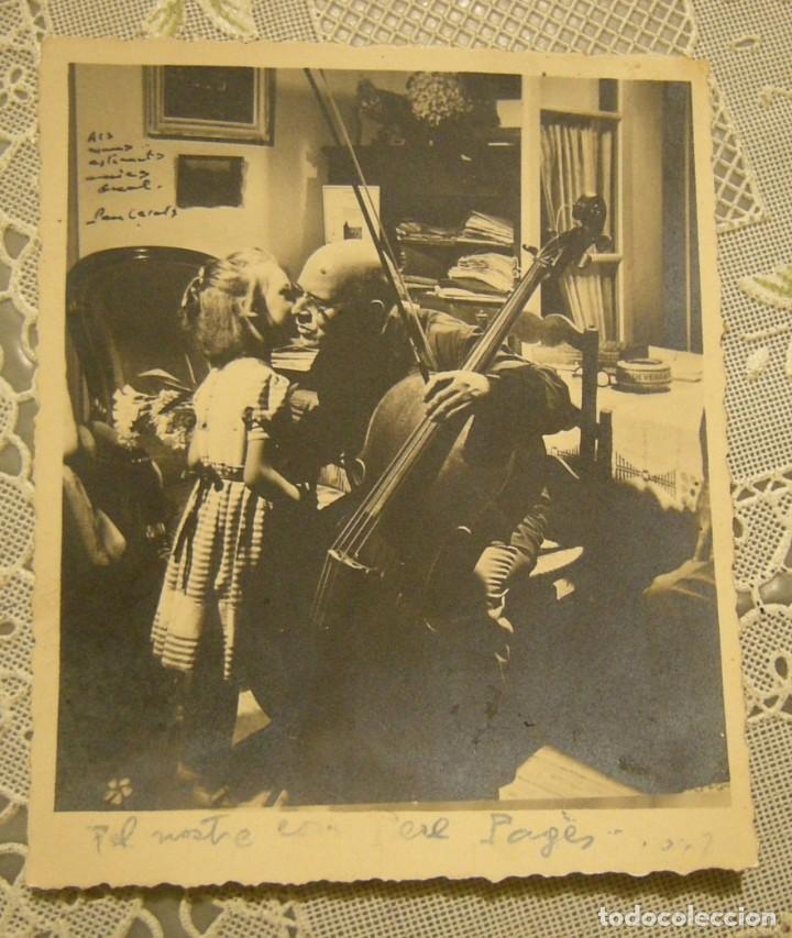 PAU CASALS EN SU CASA FOTOGRAFIA DEDICADA 1949 EN BUEN ESTADO MEDIDAS 9 X 11 (Fotografía Antigua - Fotomecánica)
