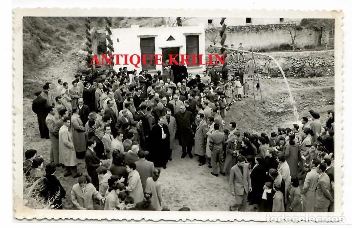 LA BISBAL DEL PENEDES .- TARRAGONA 20 ENERO 1956 .- ALUMBRAMIENTO DE LAS AGUAS .- FOTO VALLVE (Fotografía Antigua - Fotomecánica)