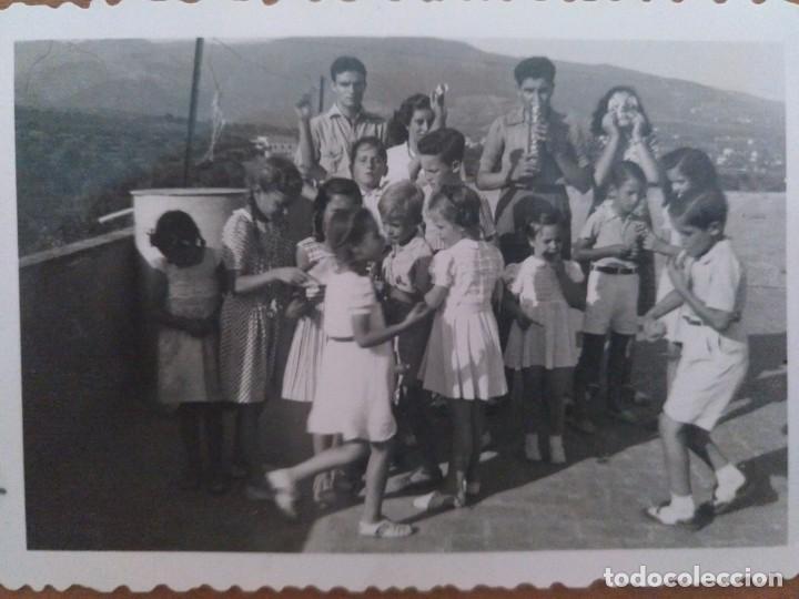 Fotografía antigua: DOS FOTOS LA AMETLLA GRUPO DE NIÑOS AGOSTO 1943 - Foto 3 - 212184667