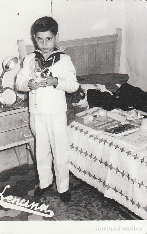 DÍA DE COMUNIÓN CON TRAJE DE MARINERO. FOTÓGRAFO LENCINA. AÑOS 60. SB (Fotografía Antigua - Fotomecánica)