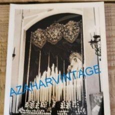 Fotografía antigua: SEMANA SANTA SEVILLA, ANTIGUA FOTOGRAFIA SALIDA PALIO DEL MUSEO, 90X140MM. Lote 213869501