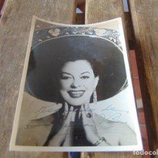 Fotografía antigua: FOTO FOTOGRAFÍA ARTISTA IRMA VILA FIRMADA Y DEDICADA. Lote 214128095