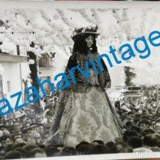 Fotografía antigua: ANTIGUA FOTOGRAFIA DE LA VIRGEN DEL ROCIO VESTIDA DE PASTORA, ESPECTACULAR,178X128MM. Lote 216532490