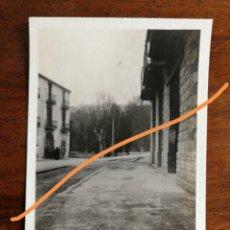 Fotografia antica: FOTOGRAFÍA ANTIGUA. PUEBLO DE GIRONELLA. BARCELONA. ENTRADA LA POBLACIÓN. FOTO AÑO 1929.. Lote 216702777