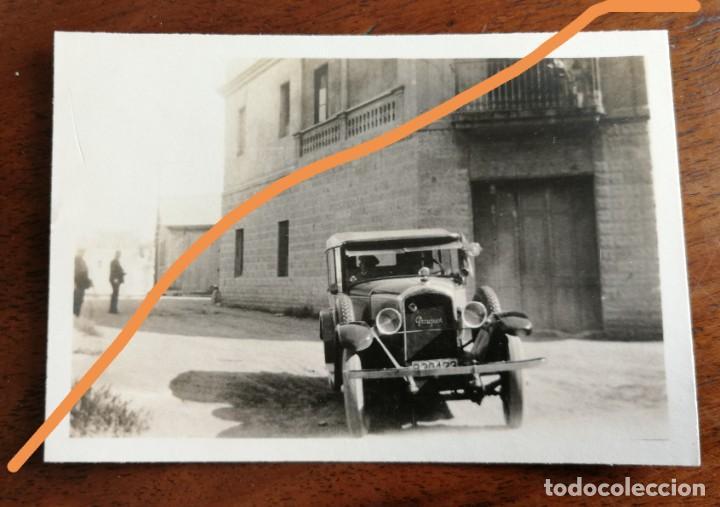 FOTOGRAFÍA ANTIGUA. PUEBLO DE GIRONELLA. BARCELONA. AUTOMÓVIL EN UNA CALLE. FOTO AÑO 1929. (Fotografía Antigua - Fotomecánica)