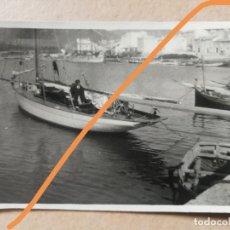Fotografía antigua: FOTOGRAFÍA ANTIGUA DE ANDRATX. ISLAS BALEARES. BARCO. FOTO AÑOS 20.. Lote 217111505