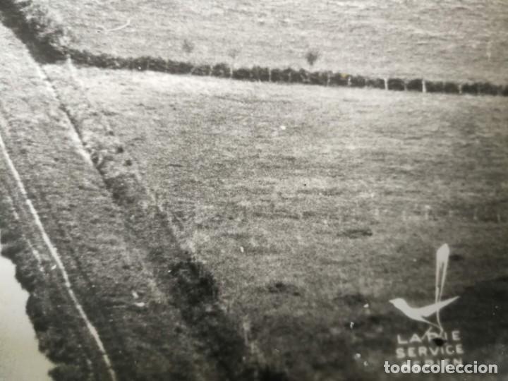 Fotografía antigua: ANTIGUA Y PRECIOSA FOTOGRAFIA AÉREA REGIÓN DE BORGOÑA FRANCIA - LE COTEAU VELOGNY (MORVAN) - 1958 - Foto 3 - 217715610